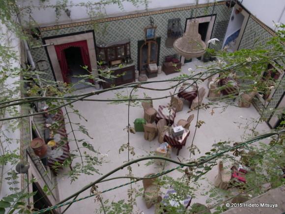 オーベルジュドジュネス中庭 (2)