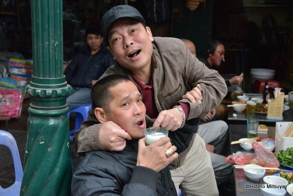 世界新聞に連載第3回「ベトナムのビアホイ」の記事を寄稿しました