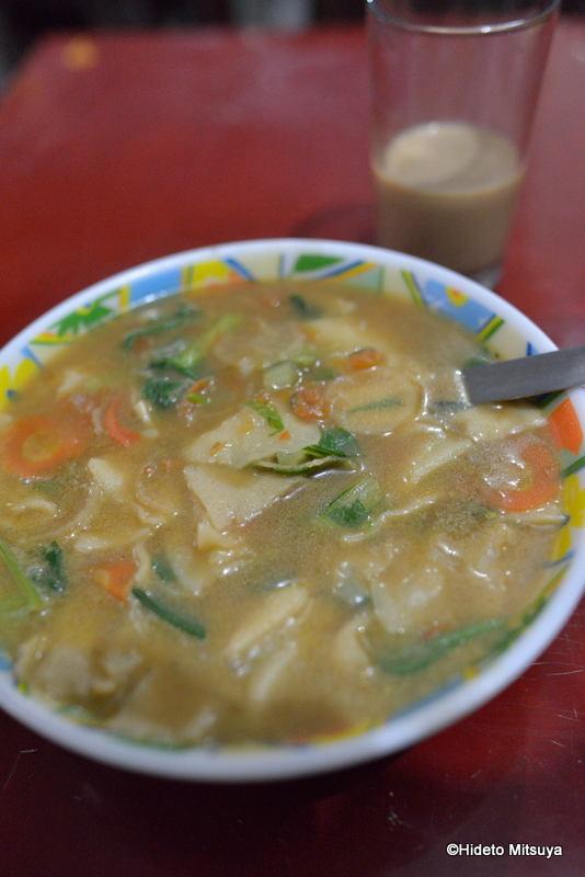 【インド】ブッダガヤのチベタン料理屋Tibet Om Cafeの紹介