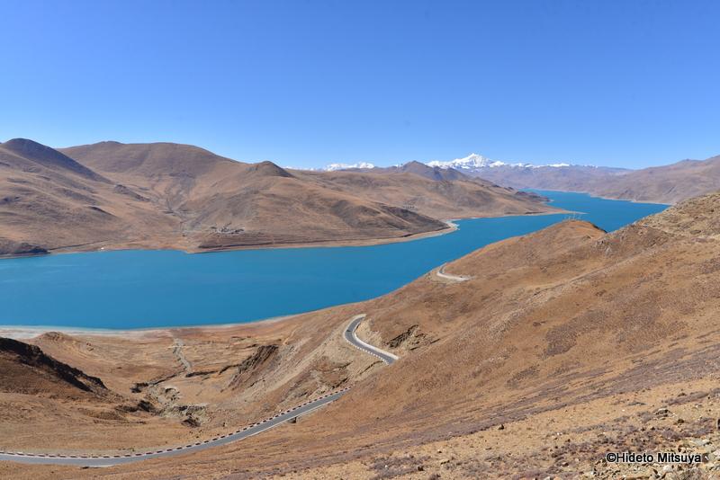 ヤムドク湖