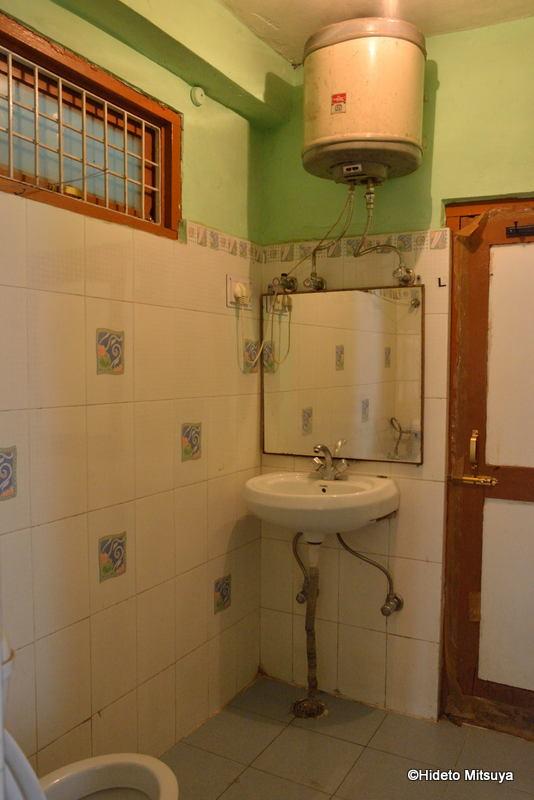 マクロードガンジのビクトリアハウス室内(シャワールーム)