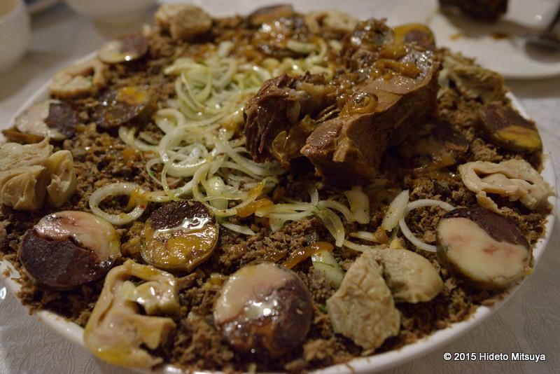 【キルギス】伝統料理ベシュバルマクの紹介と安く食べられる食堂