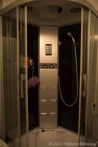 ハイテクシャワー