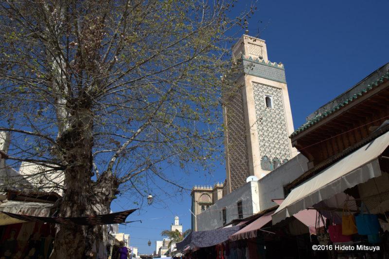 フェズのスープ専門食堂向かいのモスク