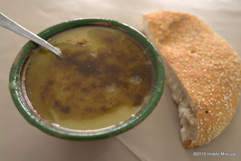 フェズのスープ専門食堂名前のわからないスープ