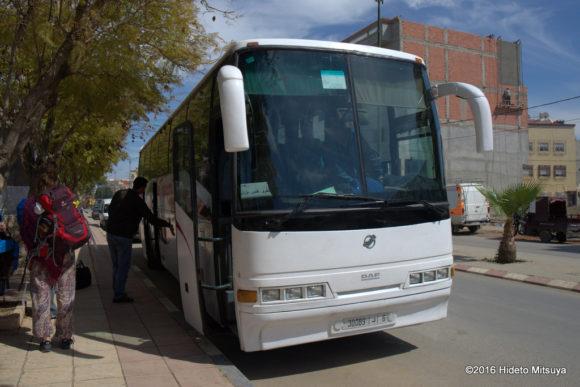 別のバスに乗り換え