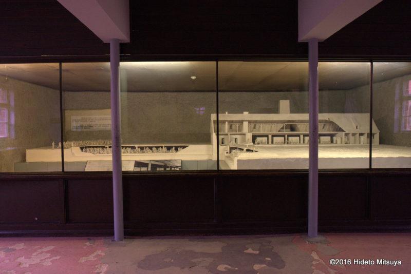 アウシュヴィッツ強制収容所のガス室の模型