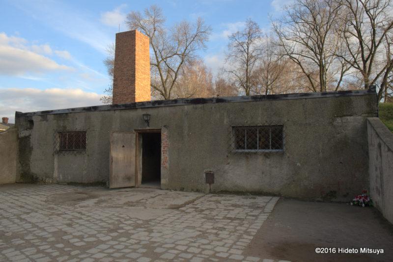 復元されたアウシュヴィッツ強制収容所ガス室(クレマトリウム1)