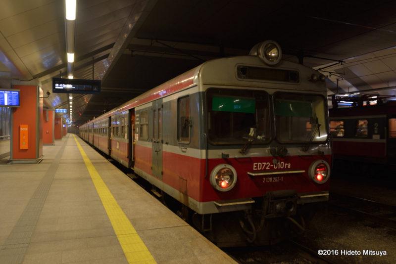 クラコフからオシフィエンチムへの電車