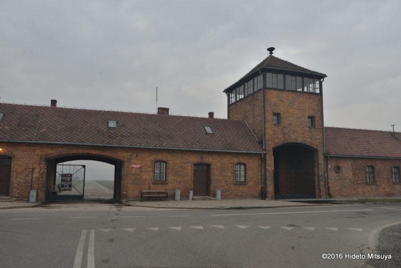 ビルケナウ第二強制収容所の入り口