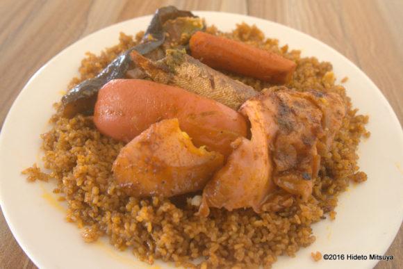 セネガルの国民食魚の炊き込みご飯チェブ・ジェン