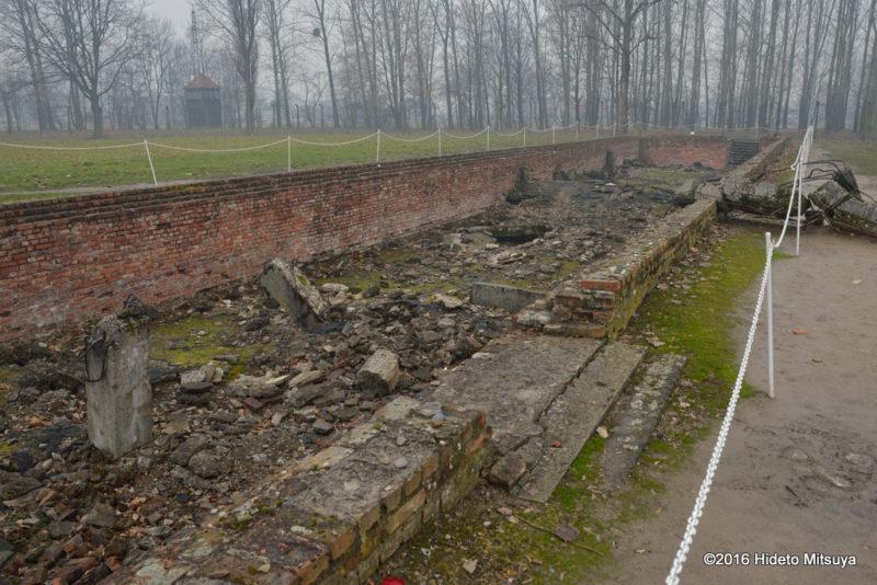 ビルケナウ第二強制収容所破壊されたガス室(クレマトリウム)の脱衣所部分