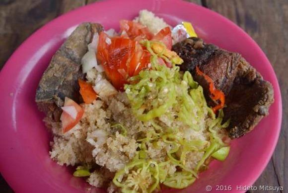 コートジボワールの国民食アチェケ