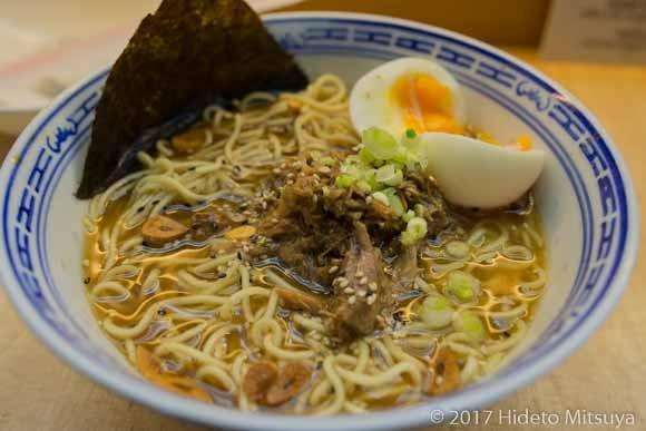 Noodle vs Marketing醬油ラーメン豚乗せ