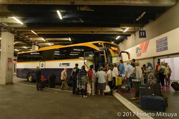 バイヨンヌへ向かうバス
