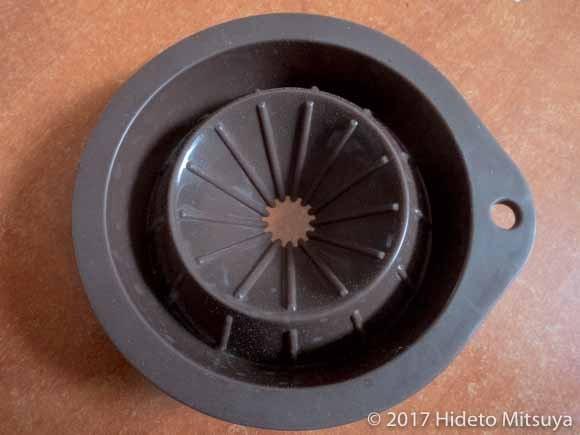畳んだ状態のコーヒードリッパー(上から)