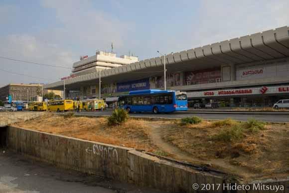 トビリシ駅のバス乗り場