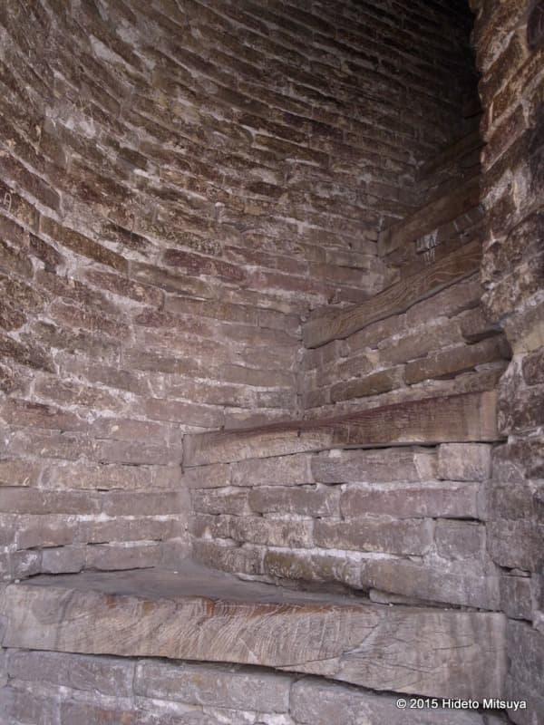 イスラーム・ホジャのミナレットの階段