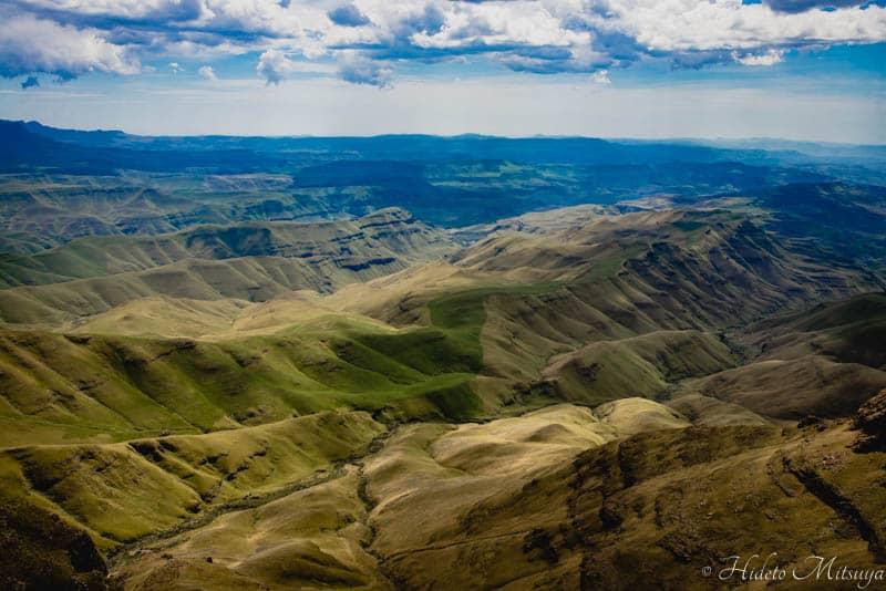 サニトップから眺めるドラーケンスバーグ山脈の絶景