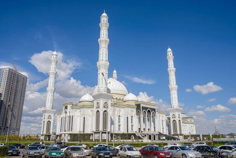 ハズラト・スルタン・モスク外観