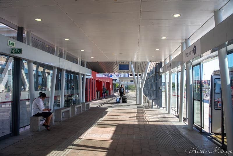 ケープタウン国際空港行きバス到着場所