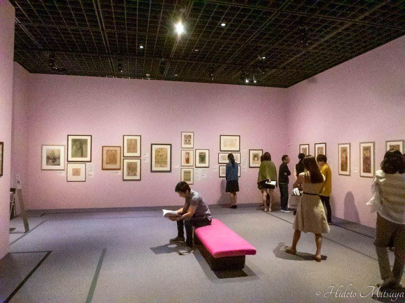 「みんなのミュシャ」展展示の様子2