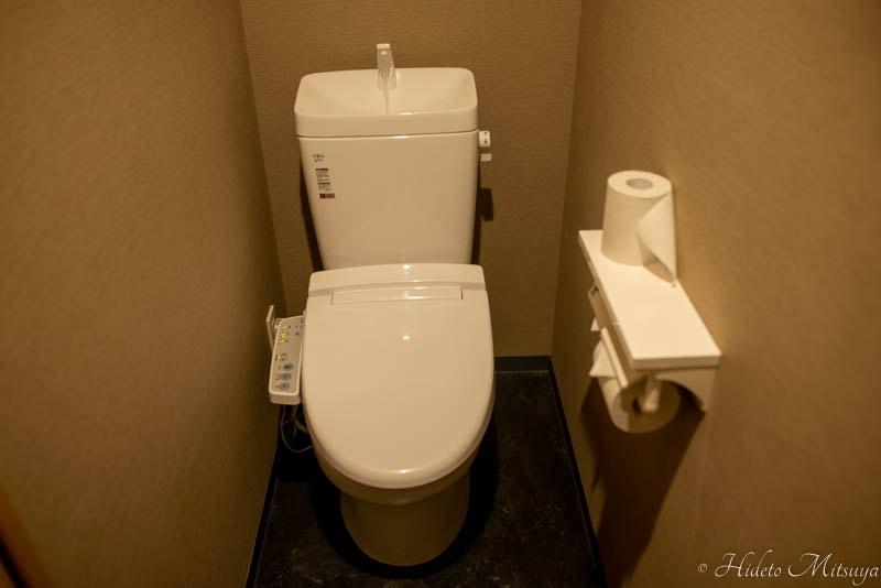 Hostel East57のトイレ