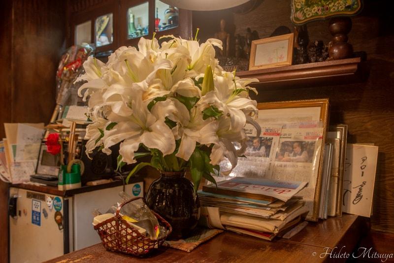 珈琲アロー店内に飾られた花