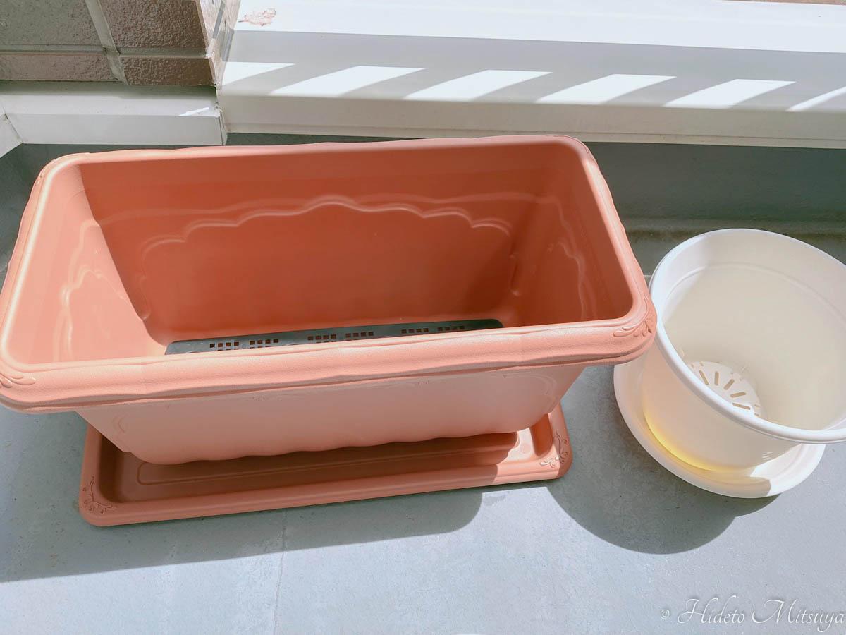 プランターと植木鉢